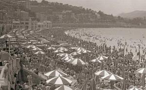 1954 | San Sebastián, «faro para el náufrago en busca de cobijo»
