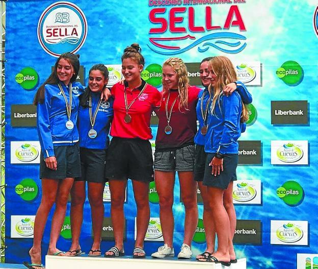 Maialen y Uxue Arsuaga, en lo más alto del podio del Sella/