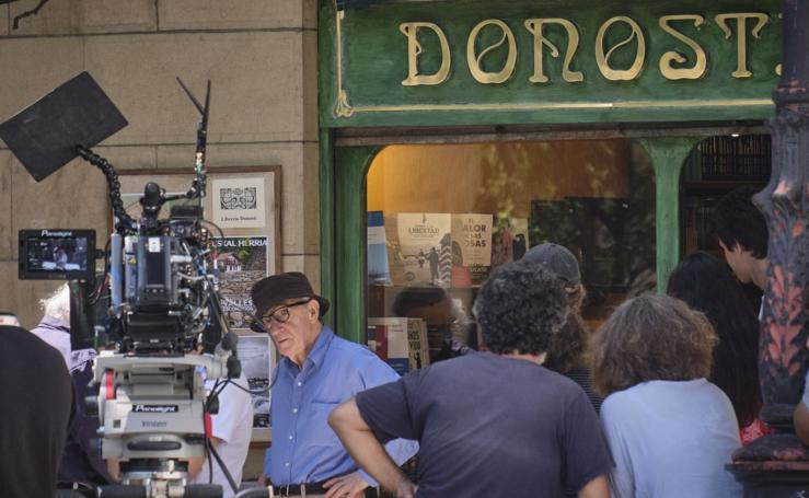 Woody Allen rueda en la librería Donosti