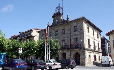 Piden prohibir en Etxarri Aranaz el «día del inútil» contra la Guardia Civil