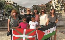 Dos niñas saharauis pasan el verano en Azkoitia