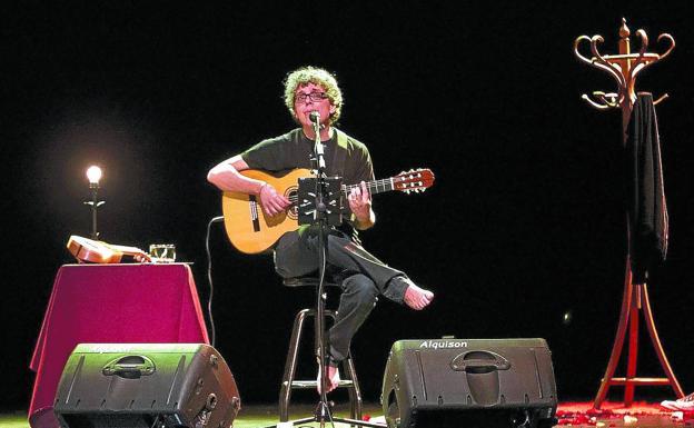 Pedro Guerra, en un concierto reciente. /EFE