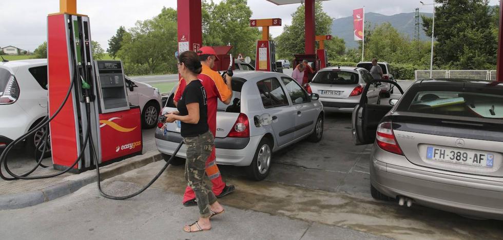 La brecha entre el precio de la gasolina y el diésel se quintuplica en Gipuzkoa