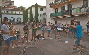 «Queríamos tocar música en la calle, en un ambiente más distendido»