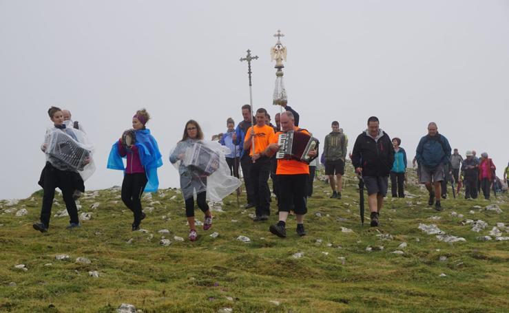 Igaratza resguardó a San Miguel de la lluvia