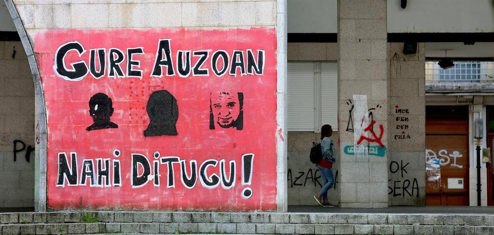 El PSE exige eliminar las pintadas a favor de los presos de ETA que «inundan» Errenteria