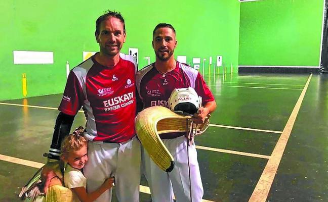 Egiguren-López sufrieron para avanzar en el 'Grand Slam de Hondarribia'