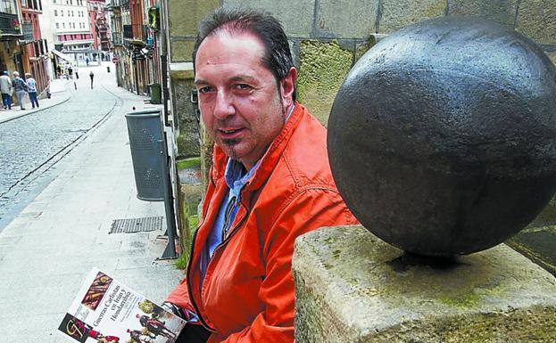 Premiado. Rafa González Merino, en la calle Mayor./F. DE LA HERA