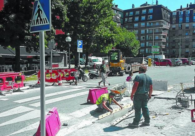 Arbes. Con las obras de rebaje de aceras de la calle Alzukaitz ha concluido la campaña de accesibilidad./