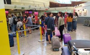 Se mantiene la normalidad tras el segundo de los paros previstos para este miércoles en el aeropuerto de Loiu