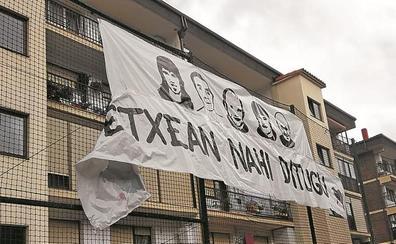 Covite denuncia una pancarta por los presos en una ikastola de Villabona