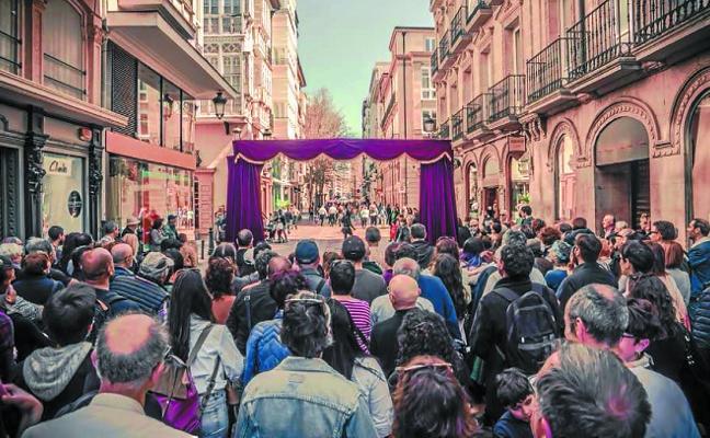 Zanguango invita a pasar 'Al otro lado' del telón en la calle San Pedro