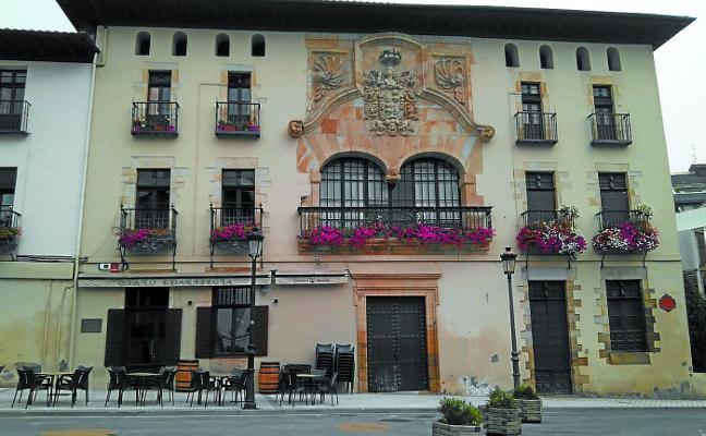 La obra de rehabilitación del bar Olano saca a la luz el patio del palacio Zabala