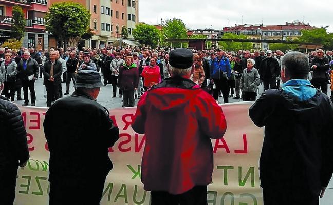 El Movimiento de Pensionistas se manifestará el lunes desde la plaza San Juan hasta Ficoba