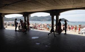 Intenta agredir sexualmente a una socorrista a mediodía en La Concha