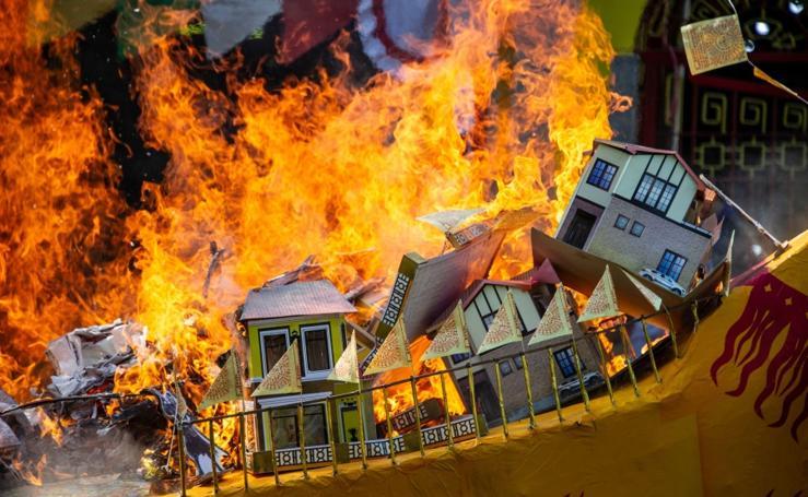 Fuego al Festival del fantasma hambriento