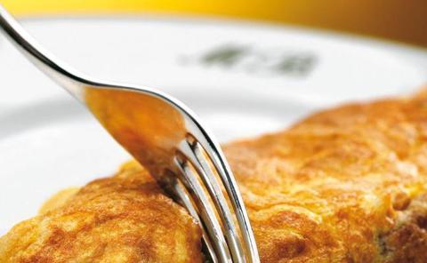 Receta de tortilla de bacalao de Martín Berasategui