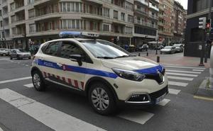 Detenido un hombre por someter a tocamientos a una mujer a la puerta de un local en Bilbao