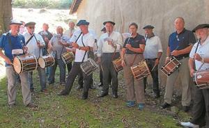 Txistularis de Hernani se volvieron a dar cita en Arano por San Roke