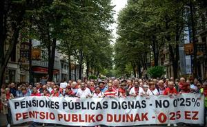 Miles de jubilados aprovechan la Aste Nagusia de Bilbao para reclamar pensiones dignas