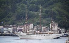 El crucero 'Sea Cloud II' vuelve al puerto de Pasaia