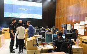 Dos mesas de coordinación para el G-7 en poco más de diez kilómetros de distancia