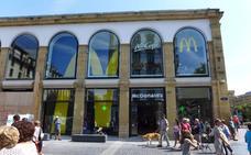 Reabre el McDonald's de la Bretxa de San Sebastián con accesos por Boulevard y San Juan