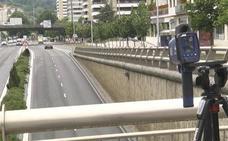 El radar móvil casi triplica las sanciones por velocidad excesiva en San Sebastián