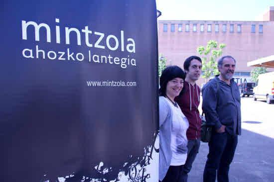 'Bertsolaritzaren artikulazioak' izeneko eskola Mintzolaren eskutik