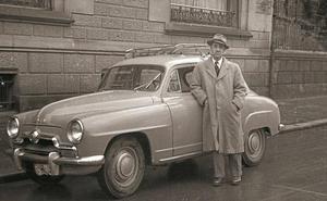 1954   Buscaban «con amabilidad» a dueños de coches mal aparcados