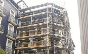 La rehabilitación del número 10 de la calle Elkano reclama mantener la fachada principal