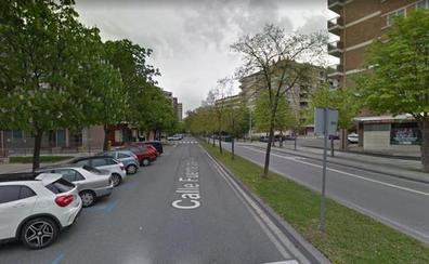Muere una mujer al caer desde un cuarto piso en Pamplona y detienen a su hijo
