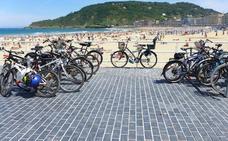 ¿Dónde aparco la bici cuando voy a la playa?