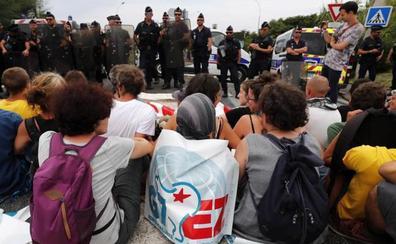 La Policía impide a opositores al G7 acceder al centro de Biarritz