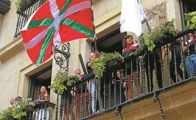 La bandera de Hibaika ondea firme
