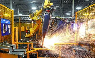 Un estudio cifra en dos empleos la pérdida por cada robot en la industria