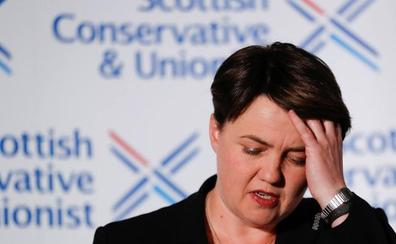Dimite la líder de los conservadores escoceses partidaria de la permanencia