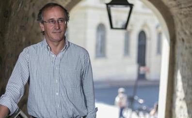 Alfonso Alonso: «El PNV quiere nuestros votos, pero sus últimas decisiones revientan cualquier acuerdo presupuestario»