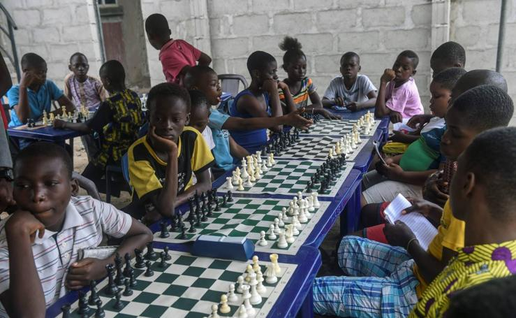 Aprenden jugando al ajedrez