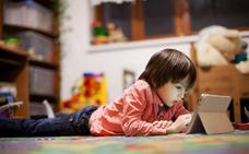 El uso abusivo de dispositivos electrónicos provoca el síndrome de fatiga visual en los niños
