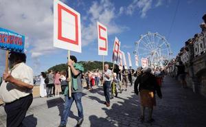 Una cadena humana pide parar incineradora de Zubieta