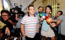 Tres de 'La Manada', al banquillo por robar unas gafas en Donostia