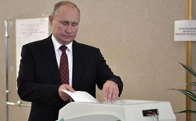 Nuevas detenciones en Moscú durante una jornada electoral con baja participación