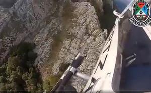 El helicóptero de la Ertzaintza rescató a un herido en un hayedo del Aizkorri