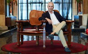 Ildefonso Falcones: «Barcelona está viviendo un proceso de involución»