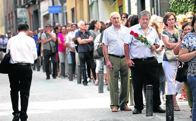 Camilo Sesto es despedido a lo grande