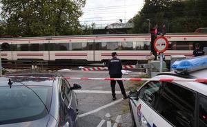 Fallece un hombre arrollado por un tren en un paso a nivel de San Sebastián