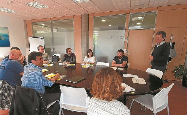 Participantes en uno de los encuentros para empresas organizados por Bidasoa activa./