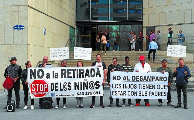 Protesta contra la tutela de la Diputación