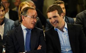 Alonso recibe el apoyo de Casado frente a las críticas de Álvarez de Toledo
